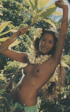 topless_hawaii_woman_dancing_md